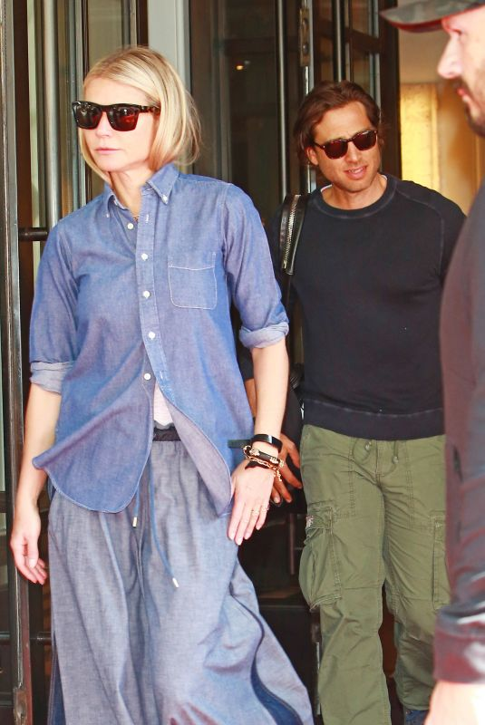 Gwyneth Paltrow and Brad Falchuk check out of the Mark Hotel in NYC