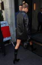 Hailey Baldwin Arrives at her hotel in New York