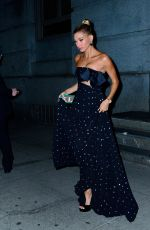 Hailey Baldwin Steps out for dinner in New York