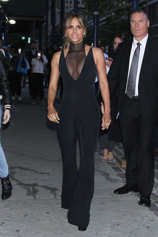 """Halle Berry Arrives at the """"John Wick: Chapter 3 - Parabellum"""" world premiere at One hanson place In NYC"""