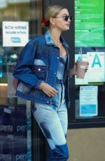 Justin Bieber & Hailey Baldwin Stop in for a healthy snack at Earthbar in West Hollywood