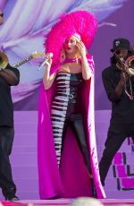 Katy Perry Performs at 2019 new orleans jazz & heritage festival 50th anniversary