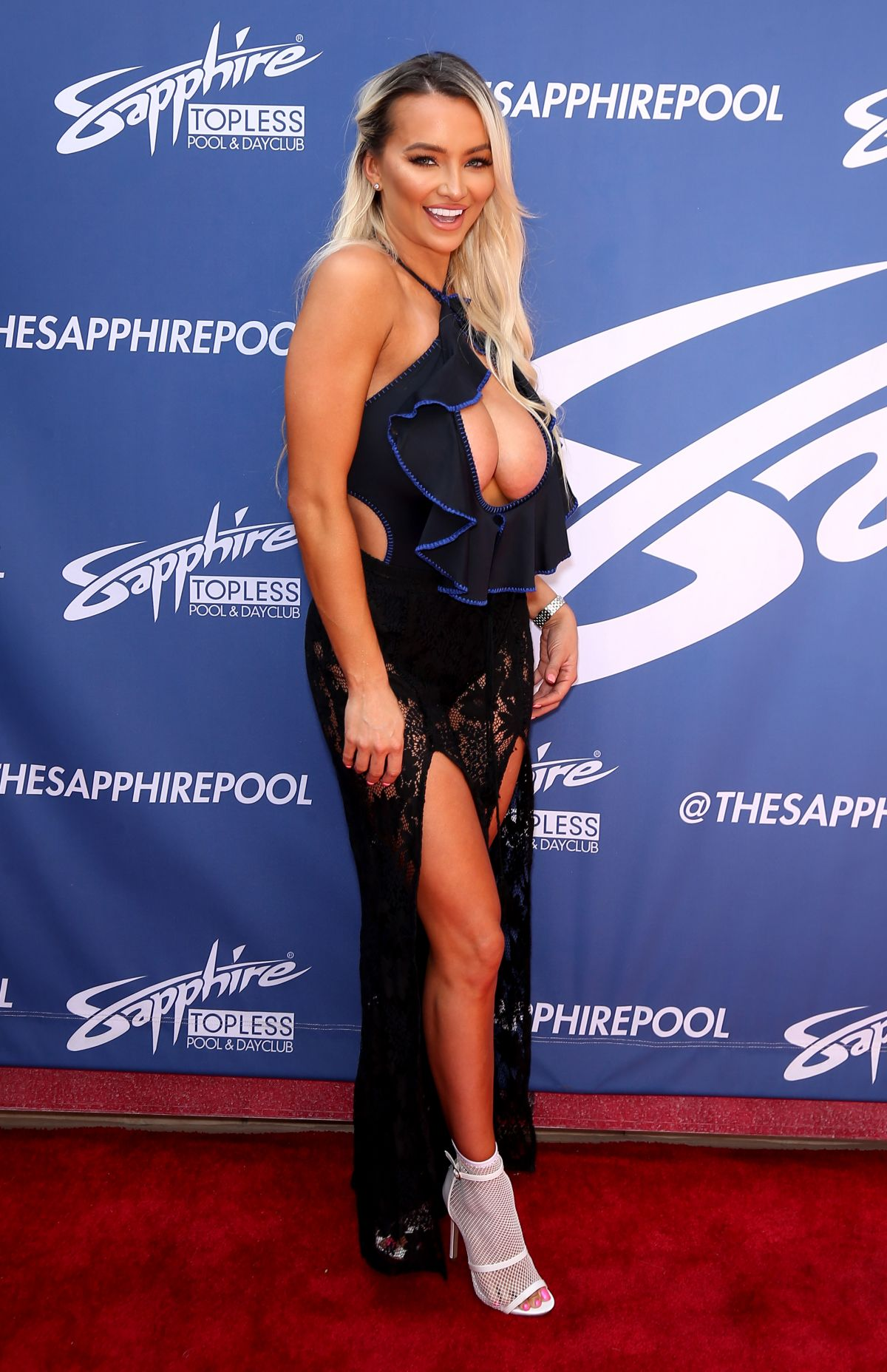 Lindsey Pelas Attends the Sapphire Topless Pool and