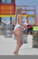 Lindsey Vonn In a Swimsuit at a Beach in Miami