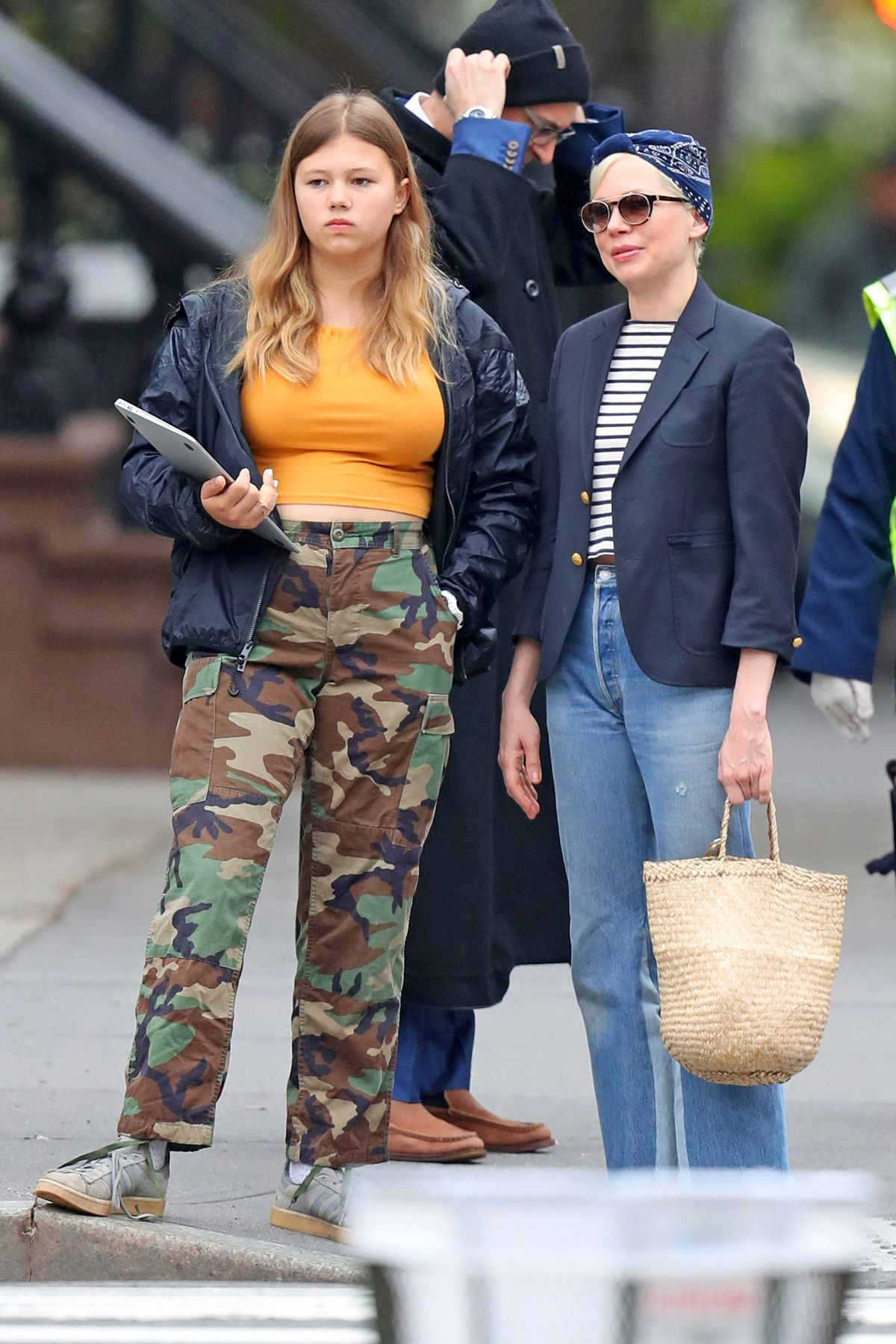 Michelle Williams Steps out with her daughter in NYC - Celebzz