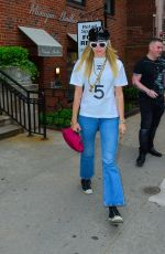 Miley Cyrus Goes to get her hair done out in New York