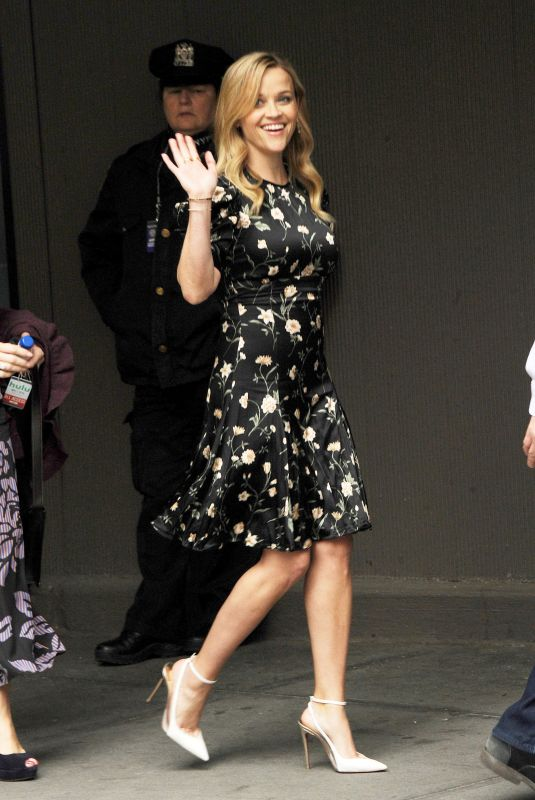 Reese Witherspoon Stepping out in NYC