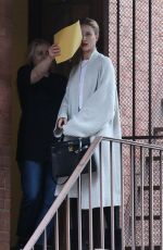 Rosie Huntington-Whiteley Arrives at a skin care clinic in Los Angeles