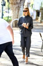 Rosie Huntington-Whiteley Out in Sydney