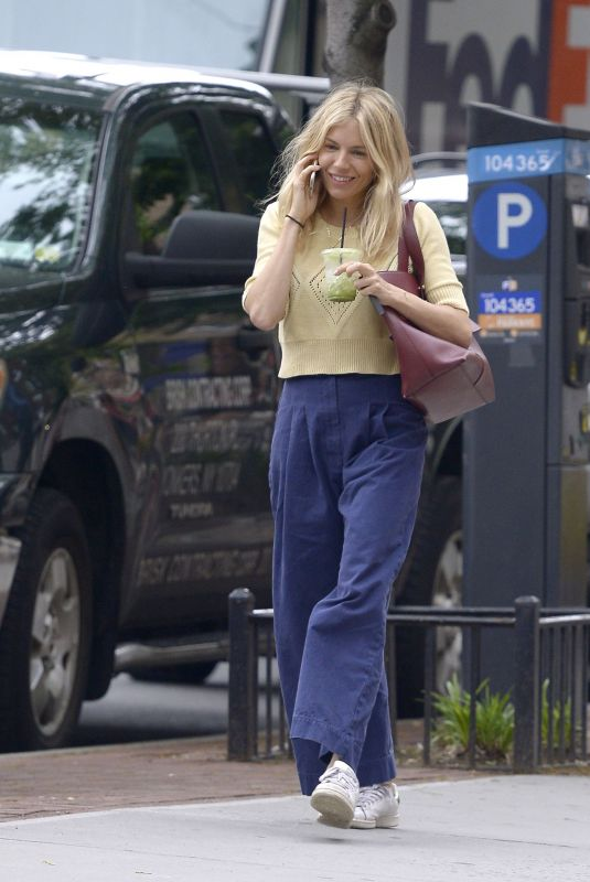 Sienna Miller Grabbing a fresh juice at Clover Grocery in the West Village