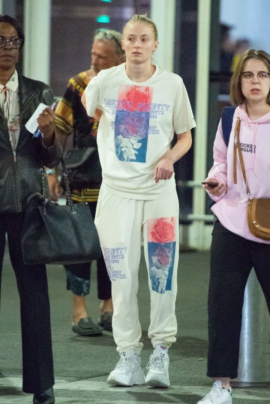 Sophie Turner Sports a comfy look as she arrives at JFK Airport In NYC