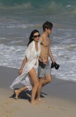 Wendi Deng Shows off new toyboy romance during St Barts vacation