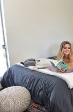Ava Phillippe At Amazon Off to College Decorate Her Dorm Room