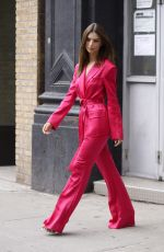 Emily Ratajkowski Stepping out in NYC
