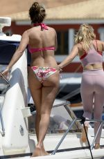 Evelyn Burdecki Spends a day on a yacht with Friends during her holidays in Mallorca