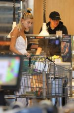 Hailey Baldwin Goes shopping at Erewhon market in Beverly Hills
