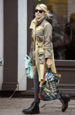 Holly Willoughby Out Grocery Shopping in London