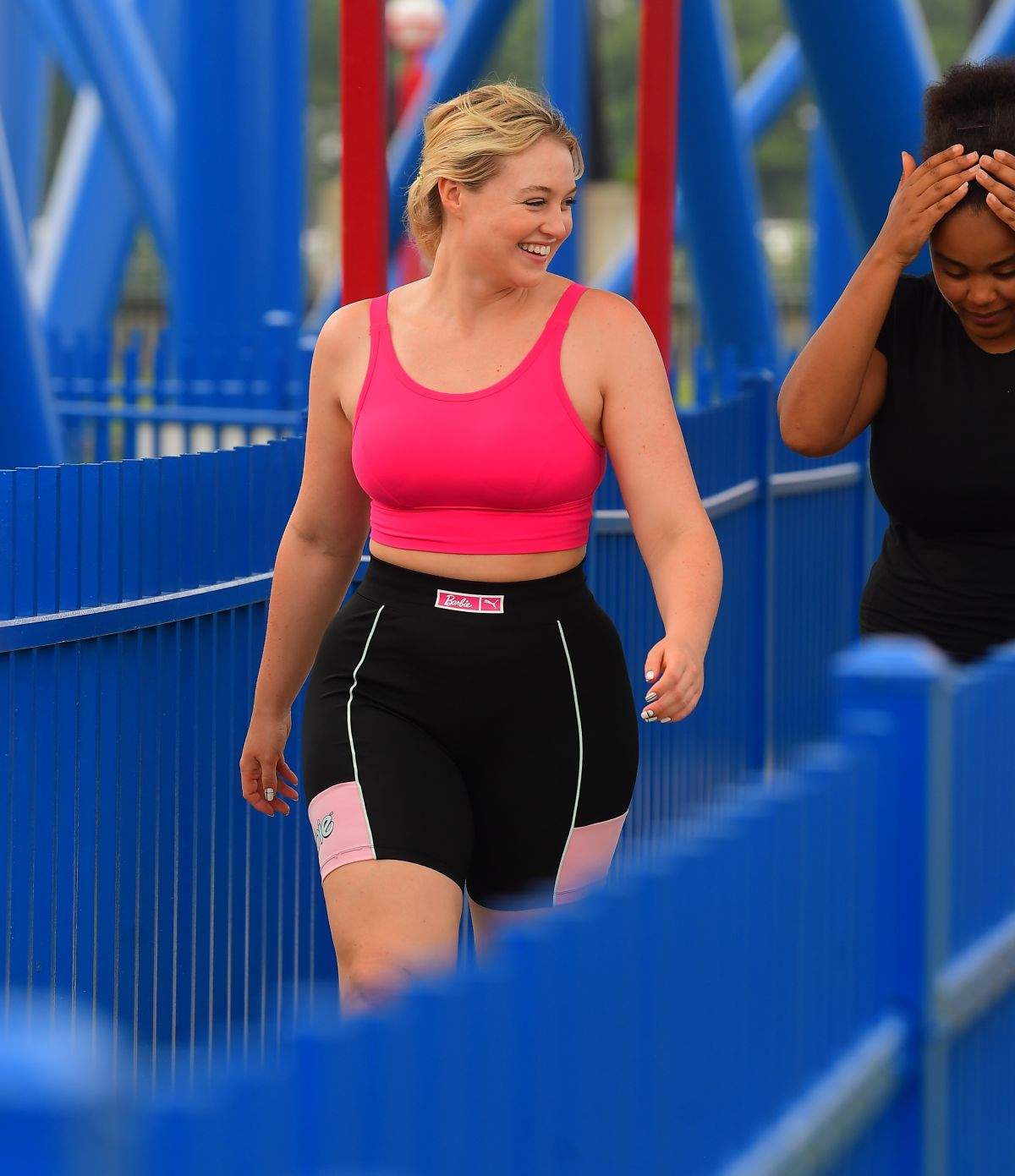 Iskra Lawrence At Six Flags Great Adventure in New Jersey - Celebzz