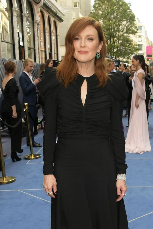 Julianne Moore Attends the Chopard Bond Street Boutique Reopening Cocktail in London