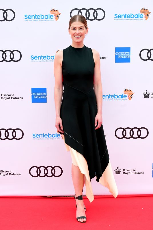 Rosamund Pike At Sentebale Audi Concert 2019 at Hampton Court Palace in London