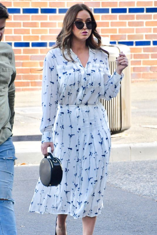 Vicky Pattison Leaving the Channel 10 Studios in Sydney
