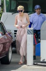 Amber Heard Stops by a gas station in LA