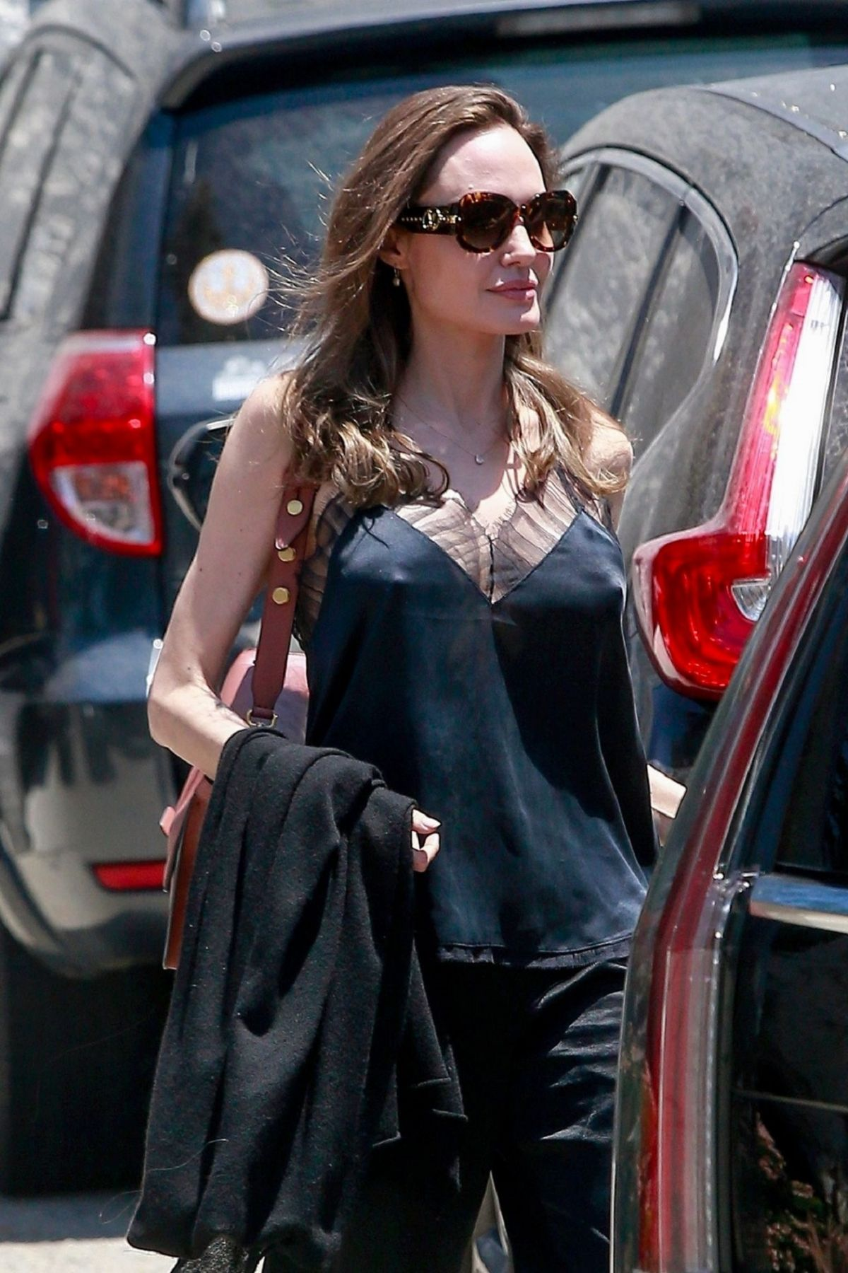 Angelina Jolie Out In Los Angeles Celebzz