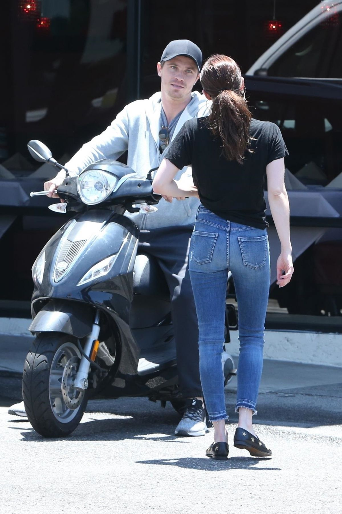 Emma Roberts and Garrett Hedlund go on a scooter ride in ...
