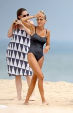 Sarah Jessica Parker Enjoys a day at the beach in the Hamptons, New York