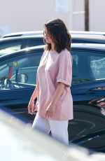 Selena Gomez Shopping with friends in Los Angeles