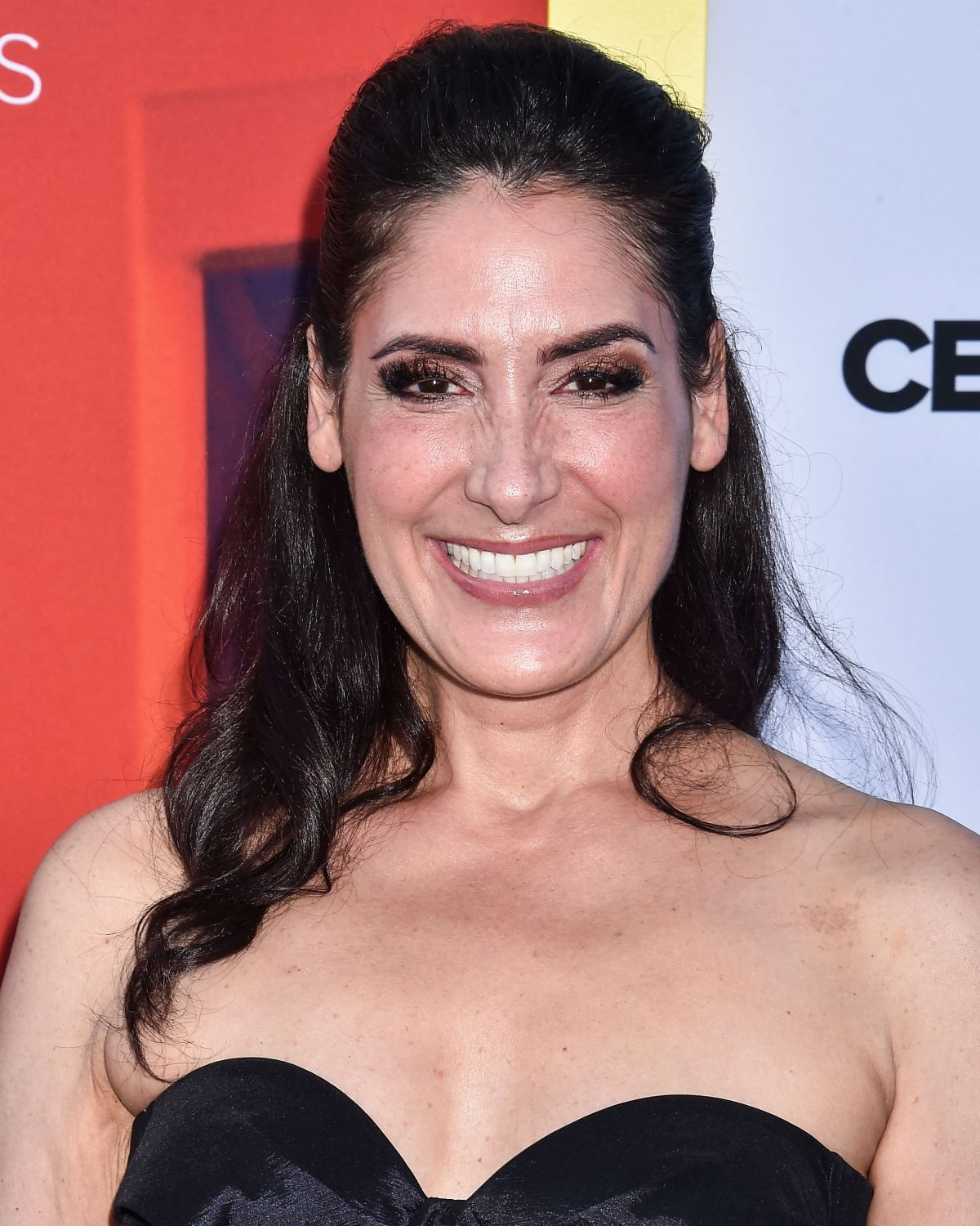Alicia Coppola At Shameless TV Show, 100th episode red