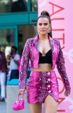 C.J. Perry (Lana) Leaving the BeautyCon Festival Los Angeles 2019 (Day2) in Los Angeles
