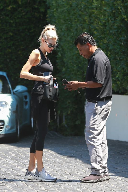 Charlotte McKinney Arriving for lunch at Cecconi