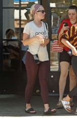Katy Perry Leaves Yoga Class in Los Angeles