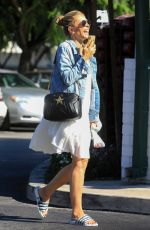 Rebecca Gayheart Shopping at Bristol Farms in Beverly Hills