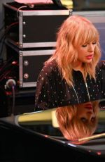 Taylor Swift Performing at her SiriusXM