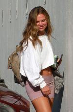 Hannah Brown Arriving for rehearsal at the