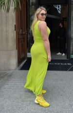 Iskra Lawrence Out in Paris