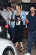 Kate Upton Has dinner with friends at Nobu in Malibu