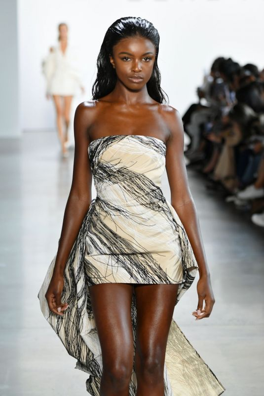Leomie Anderson Walking the runway for Cong Tri during NYFW