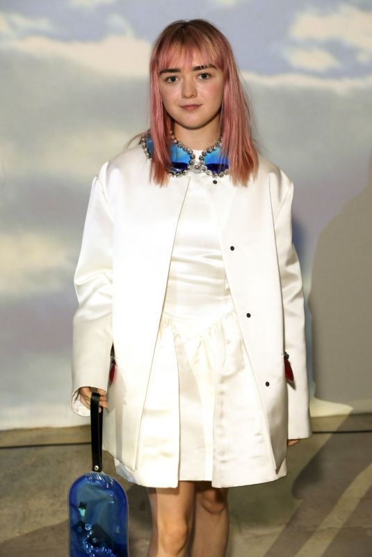 Maisie Williams At Christopher Kane show during London Fashion Week September 2019 at Hawley Wharf in London