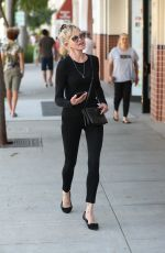 Melanie Griffith Shows off her thin figure while shopping in Beverly Hills