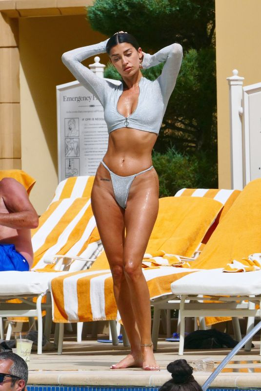 Nicole Williams Shows off her curves inside her luxury hotel in Las Vegas