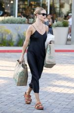 Rosie Huntington-Whiteley At Whole Foods in Malibu