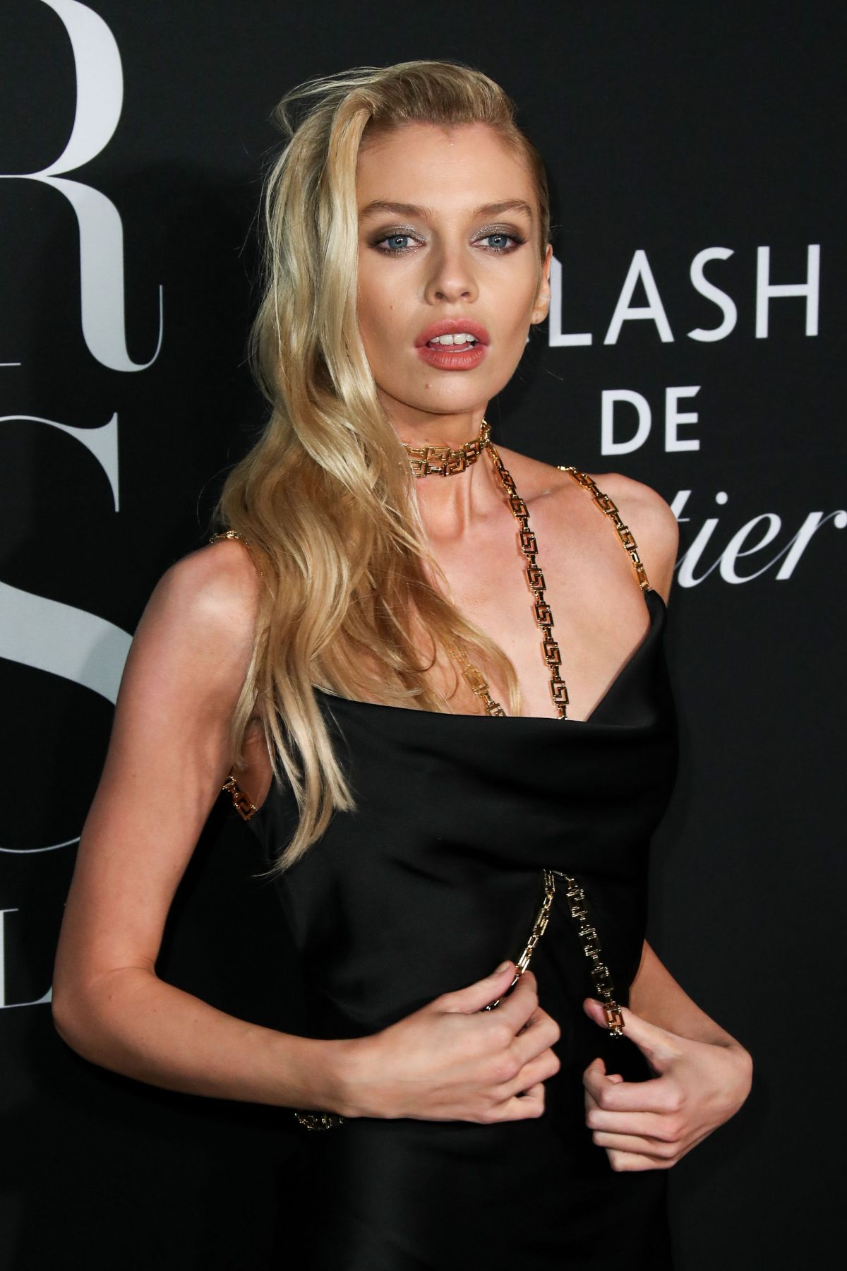 Nyc Fashion Week 2020.Stella Maxwell Attends The Harper S Bazaar Icons Party