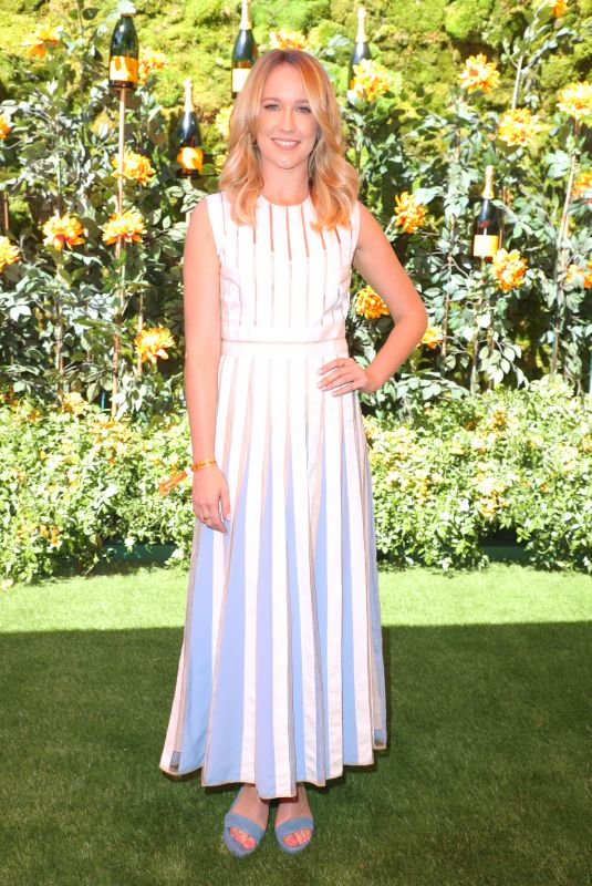 Anna Camp At Veuve Clicquot Polo Classic, Will Rogers State Park, Los Angeles
