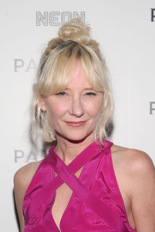 """Anne Heche At Neon Presents Los Angeles Premiere Of """"Parasite"""" ArcLight Cinemas - Hollywood"""