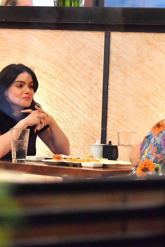 Ariel Winter During a sushi dinner date with a mystery man at Kiwami in Studio City