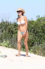 Bethenny Frankel On a beach in the Hamptons