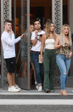 Brielle Biermann Goes shopping with her friends after enjoying lunch with her friends at Il Pastaio